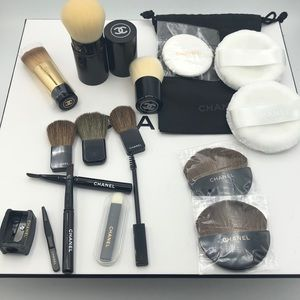 New 18 pc set Chanel makeup brush/puff